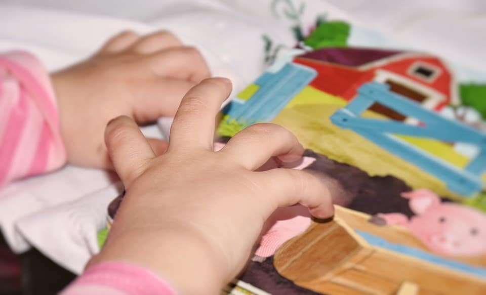 la plastilina es un juego mas instructivo para tus hijos que las consolas y los móviles