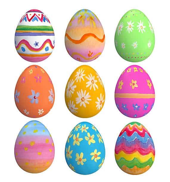 los huevos de plastilina son el juego preferido por los niños y además pueden decorarlos y pintarlos