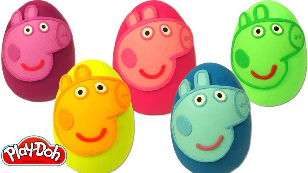 decorar los huevos de plastilina con sus personajes favoritos les encanta a los niños