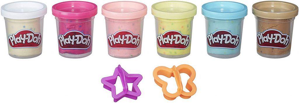 Trae de regalo unos botes de plastilina multicolor de Play-Doh